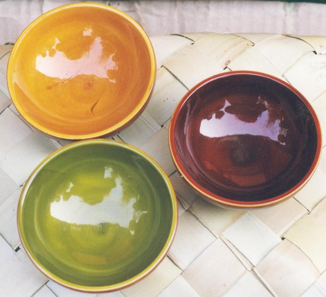 Lacquer-crafts-of-Etikopakka-bowls.jpg