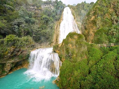 La-cascada-del-Velo-de-Novia-en-Chiapas-