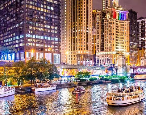 Chicago-Riverwalk-in-the-Evening__FillWz