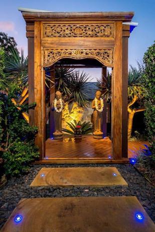 Entrance to Bali Inn Carrara