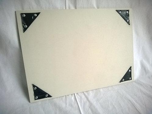 (4. luokka) Piirustusalusta A4 (julisteteline)