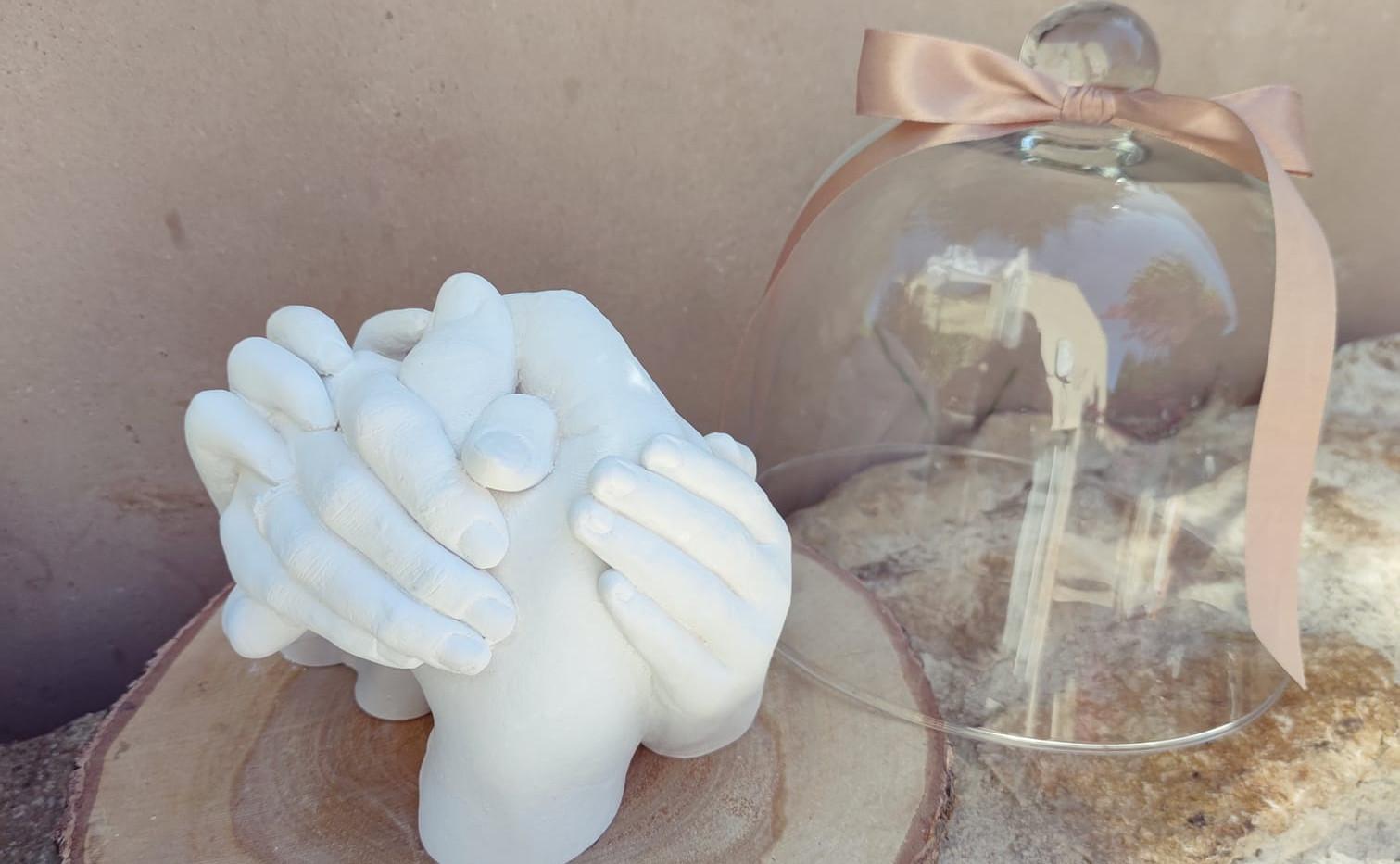 moualge enfant evylines septine and co main en platre souvenir de naissance