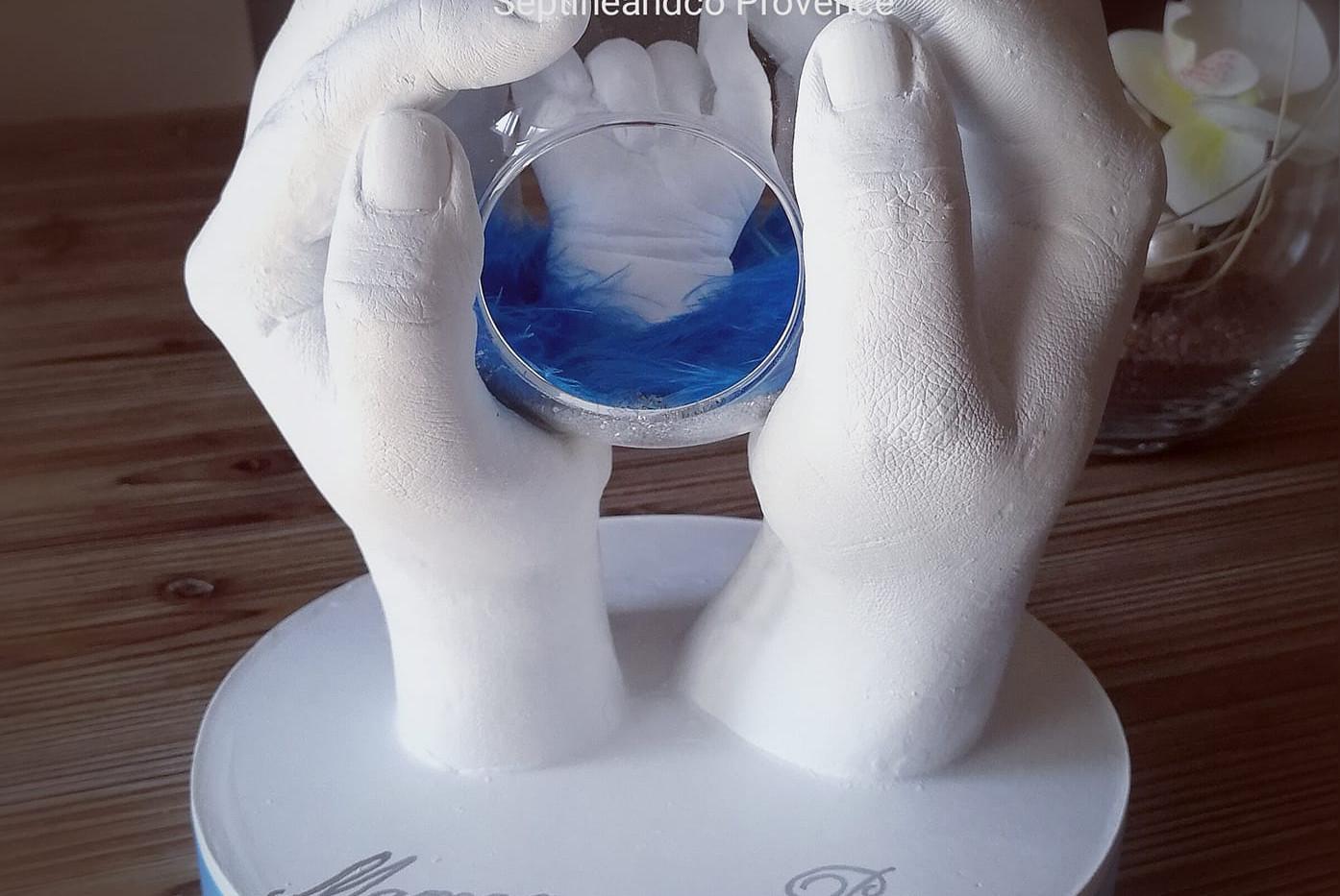 empreinte bébé 3D var bouches du rhône toulon aix en provence moulage 3D main en platre babycast baby art souvenir de naisance cadeau de naissance saint-maximin la sainte baume septine and co