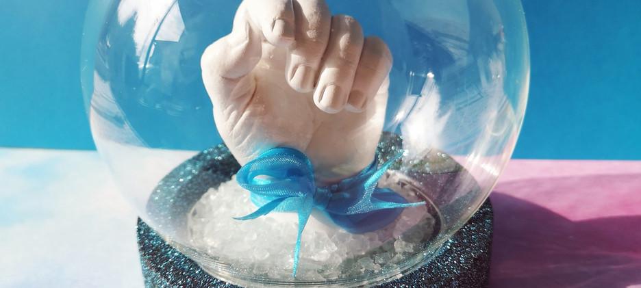 empreinte enfant empreinte bebe moulage 3d main en plâtre souvenir de naissance cadeau de naissance septine and co Chambéry Cognin Grenoble Savoie baby art bebe moulage hand  print hand casting