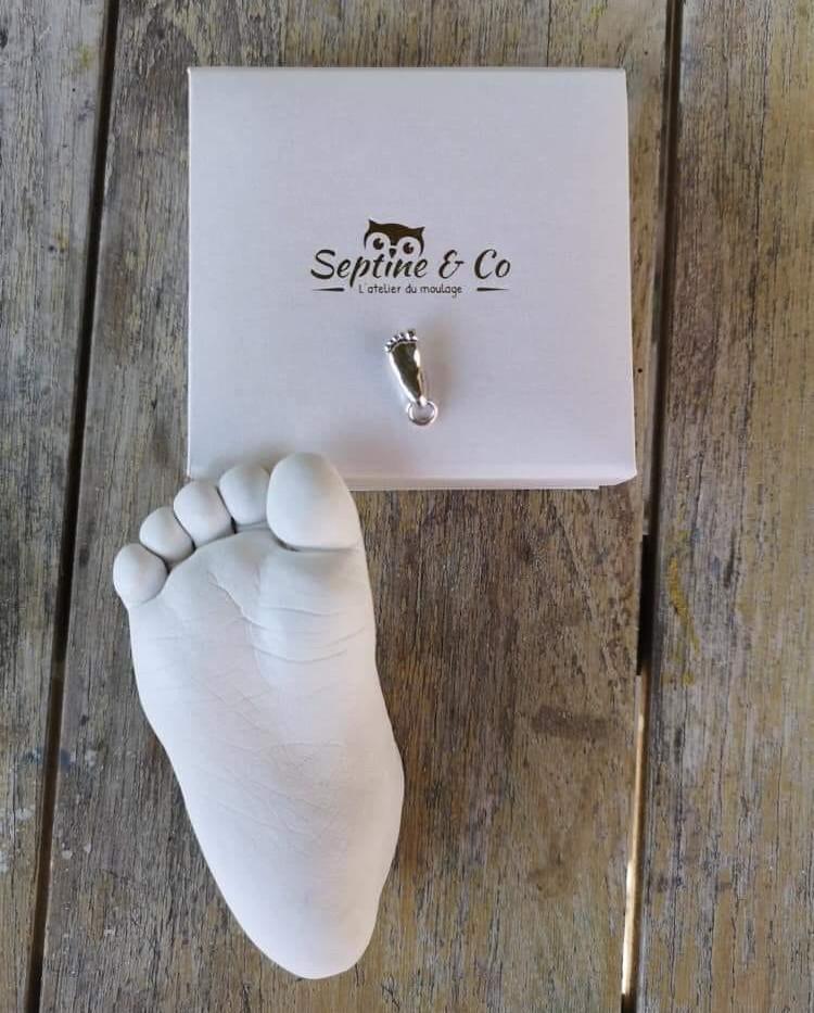 109365693_780336856041637_79942897707942moualge enfant evylines septine and co main en platre souvenir de naissance