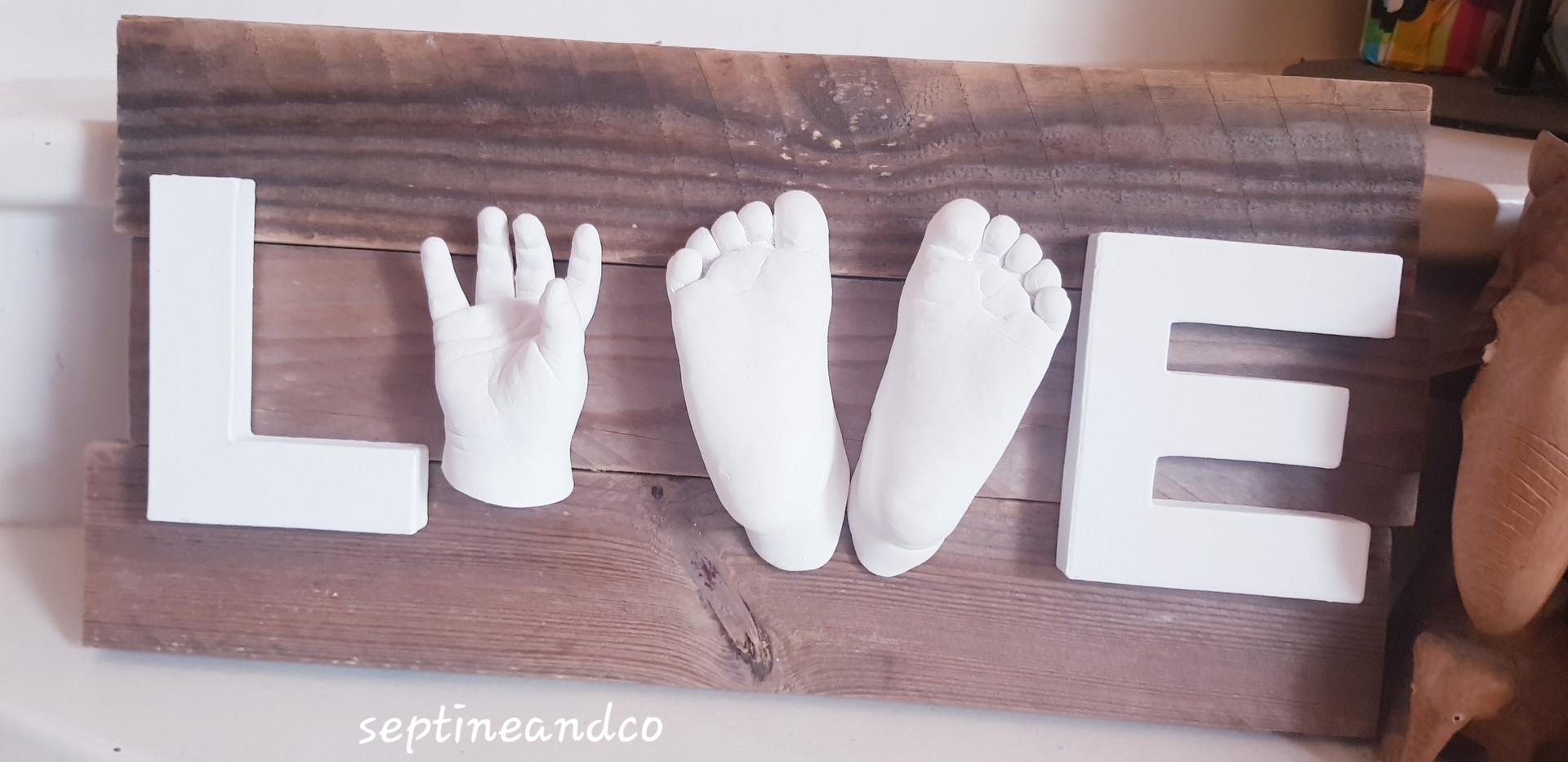 empreinte bébé 3D var bouches du Rhône Toulon Aix en Provence moulage 3D main en plâtre babycast baby art souvenir de naissance cadeau de naissance saint-Maximin la sainte baume septine and co
