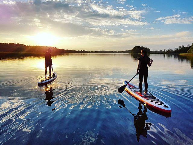 Life is more beautiful with a paddle board _#varomsupint #Lithuania #Lietuva #gosuplt #Trakai #Vilnius #beautifullithuania #sunset #irklente