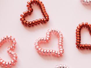 On célèbre l'Amour de soi et des autres : des cadeaux vous attendent en février au salon !