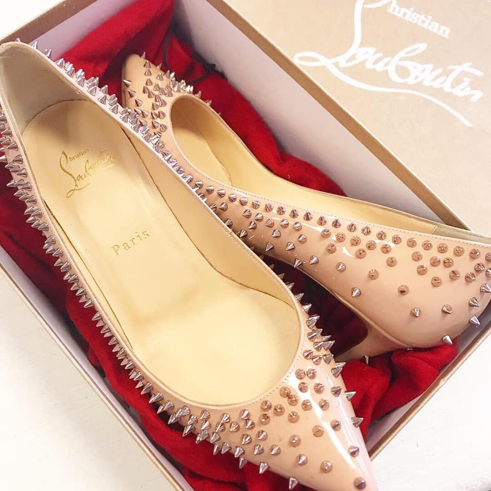 cheap for discount 5b304 21a0c Christian Louboutin Escarpic Spike Pump - Size 38.5
