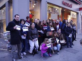 Énorme succès pour la 1ère action nationale devant les magasins Kookaï !