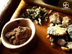 Résines, plantes et encens