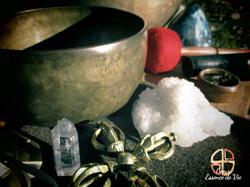 Bols chantants tibétains et cristaux