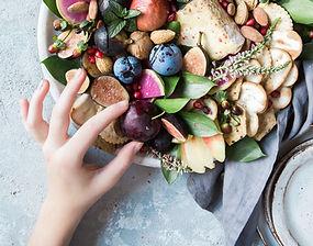 plateau de fomage et fruits