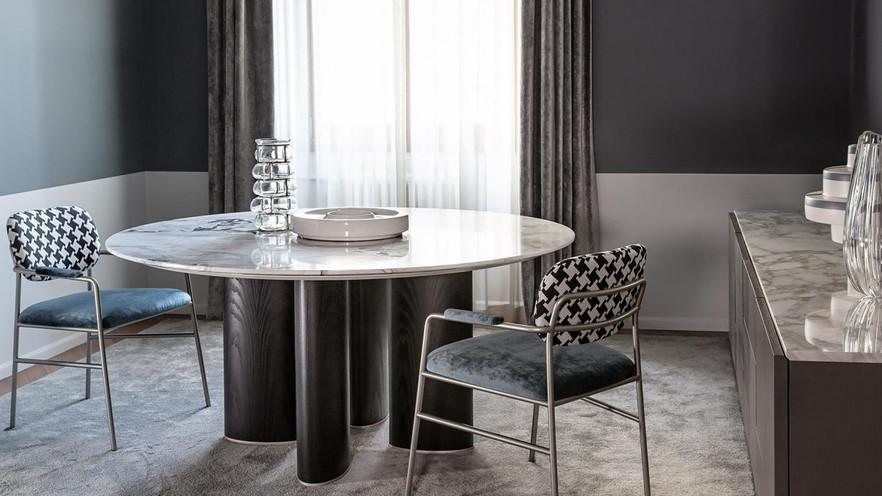 Casamilano Tisch und Stühle