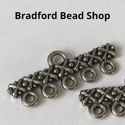 Metal Connector - (Pattern - 5 loops) - 28mm - Antique Silver Colour
