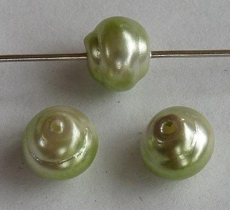Glass Pearl Effect Swirl Beads- Lght Green & Cream
