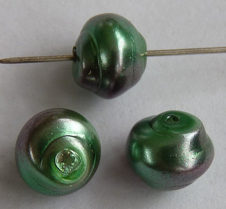 Glass Pearl Effect Swirl Beads - Green & Pink