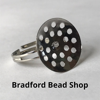 Adjustable Ring with Sieve (17mm) - Silver Colour