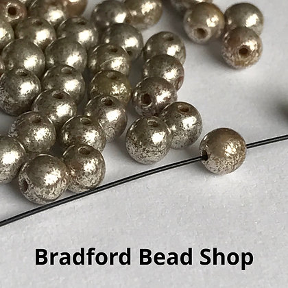 Glass Round Beads - Pale Gold Opaque - 4mm