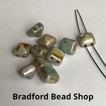2-hole Glass Pyramid Beads - Pebble Marble Opaque - 8mm