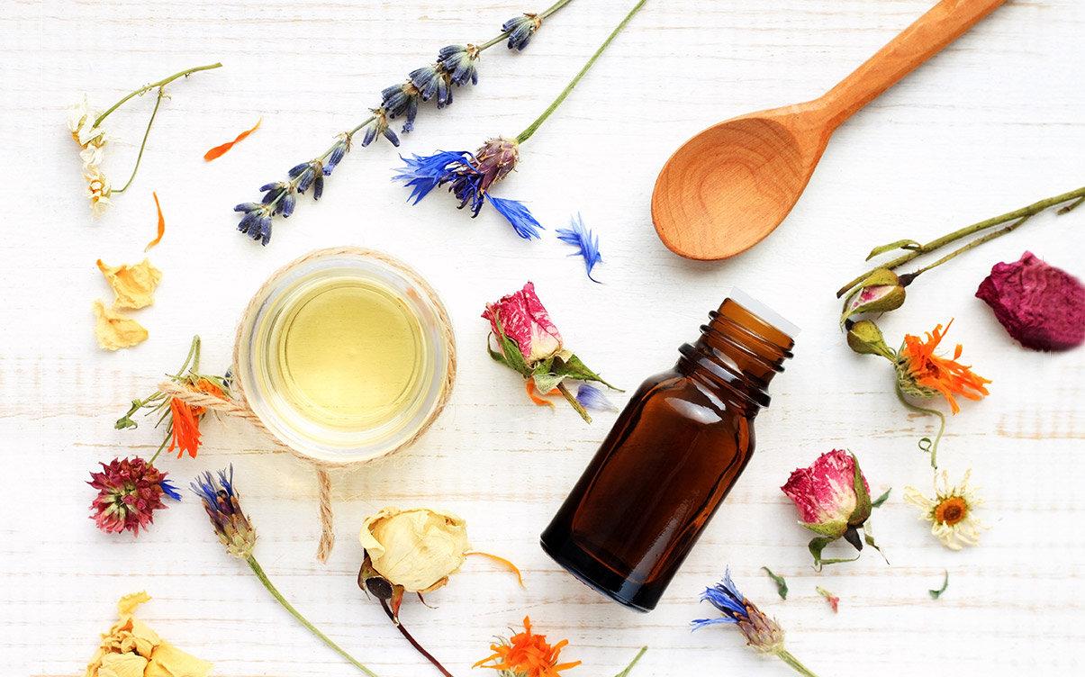 Rosemary-essential-oil1-1024x683 (1).jpg