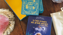 """""""Le Petit Grimoire aux grands pouvoirs et ses cartes magiques"""" est sorti !"""