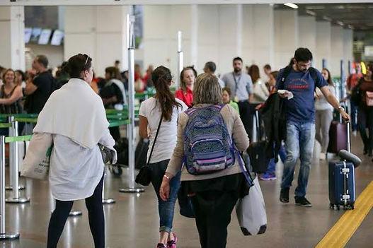 Latam Oferece Passagens com Preços Flexíveis para Passageiros com Emergência Familiar