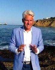 Boyd Roberts broker Laguna Gallery Real Estate speaking August 3, 2018 at Crescent Bay, Laguna Beach, CA 92651