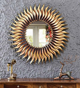 gold-metal-mirror-finish-wall-hanging-by