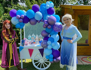 Sweet cart with Balloon Garland.jpeg