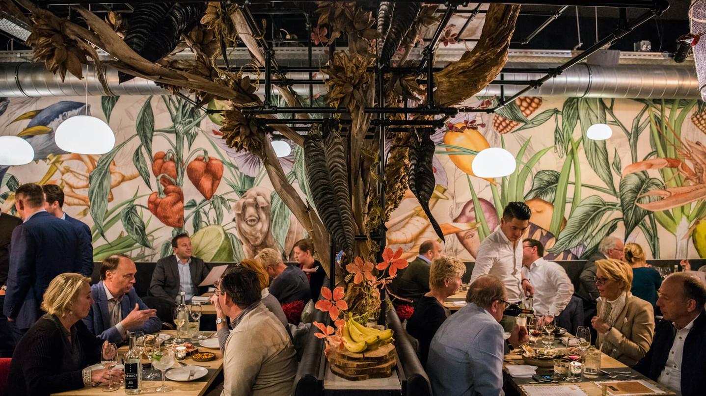 JOEL7005_restaurant-AJI_LR-3 (1).jpg