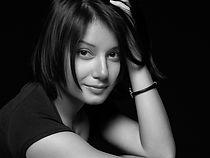 Zhanna Nova Headshot.jpg