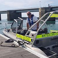 Permis bateau à Dinard & Saint Malo, notre bateau école vous permettra de passer votre permis bateau côtier, fluvial ou hauturier à Dinard et Saint Malo. Dinard Permis Bateau, bateau école et permis bateau à Dinard & Saint Malo