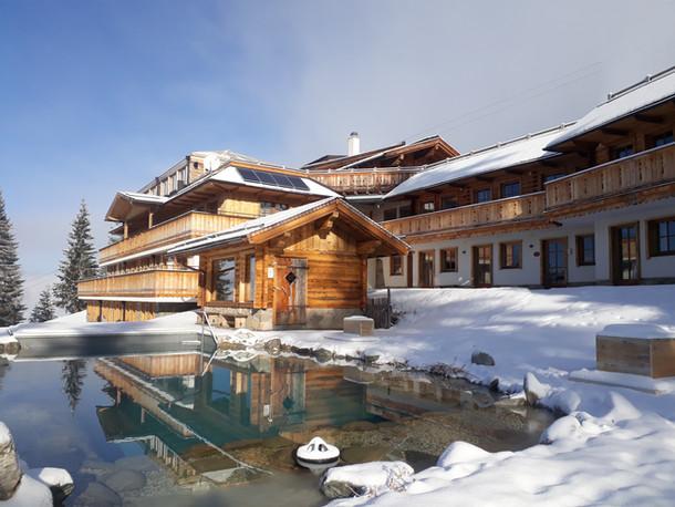 Außenteich und Sauna Winter