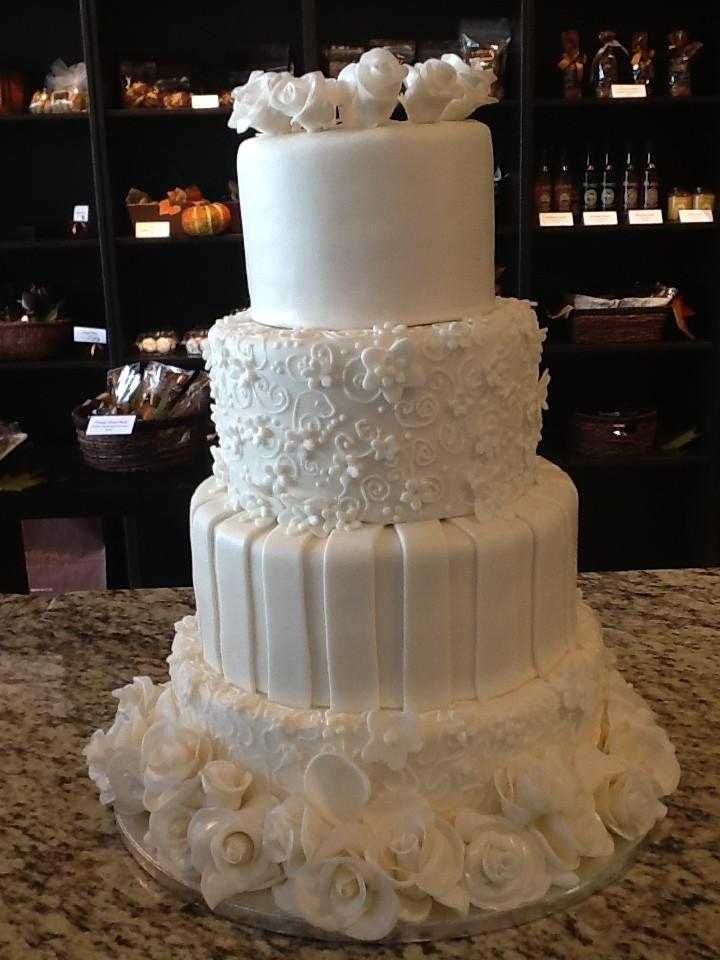 wedding+roses+4+tiered.JPG