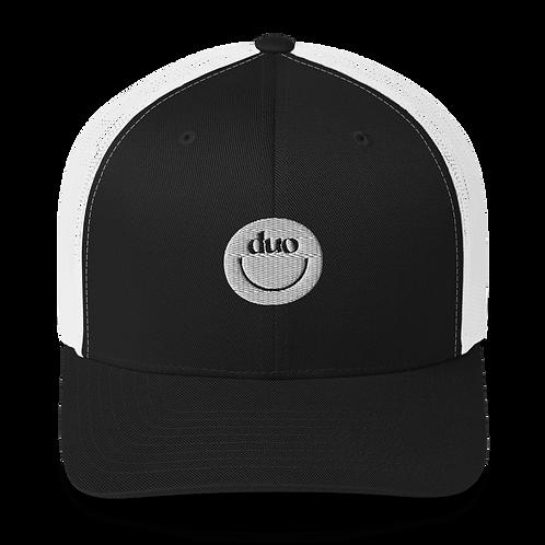 duo smiley trucker hat: white