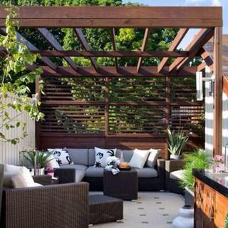 Contemporary outdoor room