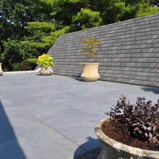 Rooftop pocket patio