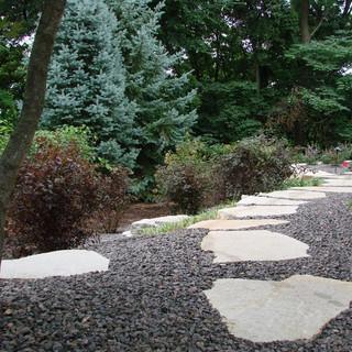 Stepstones in crushed rock