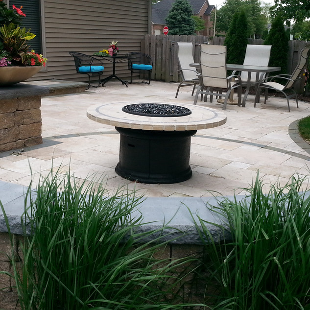 Travertine patio and firetable area