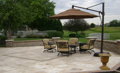 Country classic patio with seating wall