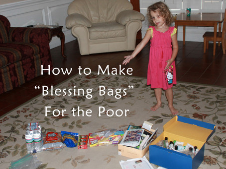 "How to make ""Blessing Bags"" for the Homeless on Street Corners"