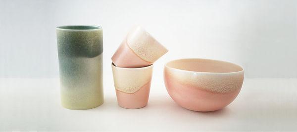 caroline prevost ceramique degradé porcelaine poterie roubaix lille émail art ceramique contemporaine  ateliers jouret  vase tasse bol vert rose jaune ecru gradient