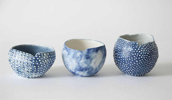 caroline prevost ceramique oursin porcelaine poterie roubaix lille émail art ceramique contemporaine  or ateliers jouret picot bleu