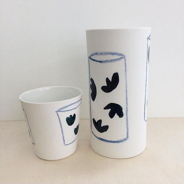 caroline prevost ceramique traits et pois or graphique motif dessin email lille roubaix ateliers jouret ceramique comtemporaine porcelaine poterie coulage vase tasse