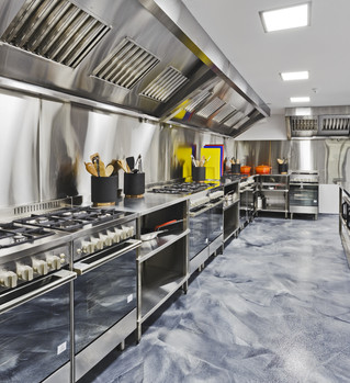 Modern shiny kitchen with stainless stil