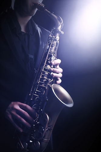 Saxophone Player Saxophonist playing jazz music_edited.jpg