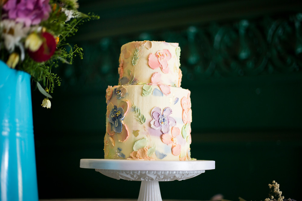Wedding cake decorated in buttercream flowers