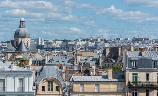 房产投资市场缩水一半,行内人士态度悲观,住宅成为2020唯一的投资机会?