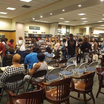 Sheri Hunter, speaking at Barnes and Noble